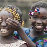 Kaksi afrikkalaistyttöä.