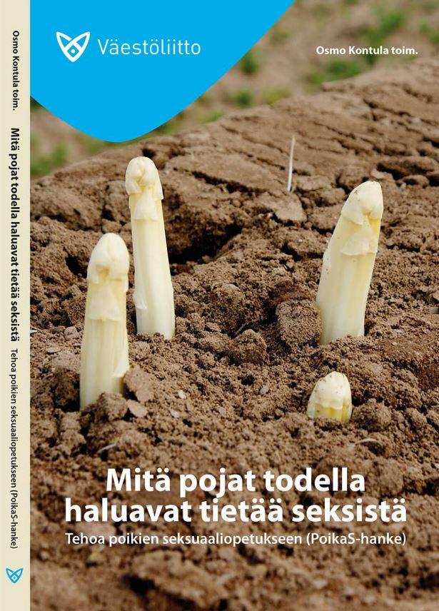 Pitkänmallisia sieniä työntyy esiin mullasta.
